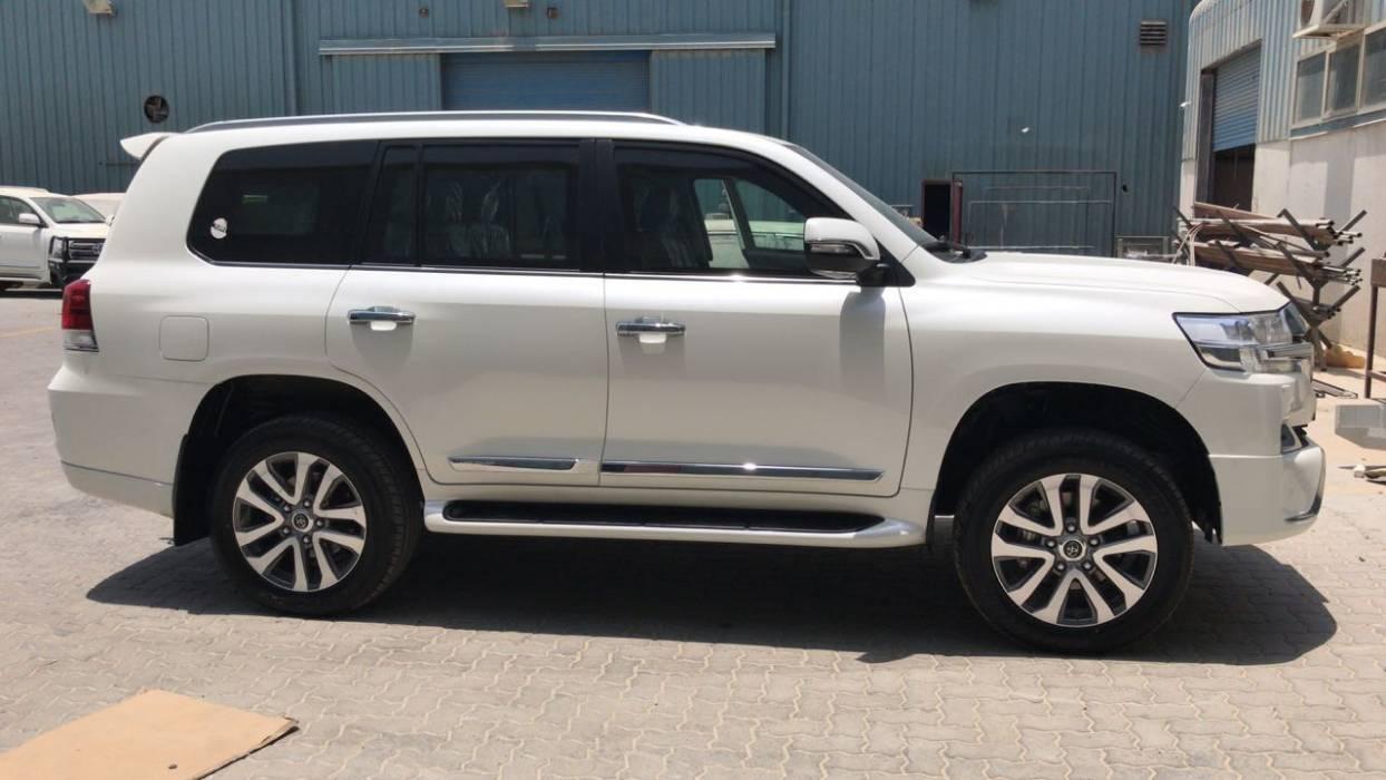 Kelebihan Toyota Land Cruiser V8 2018 Perbandingan Harga